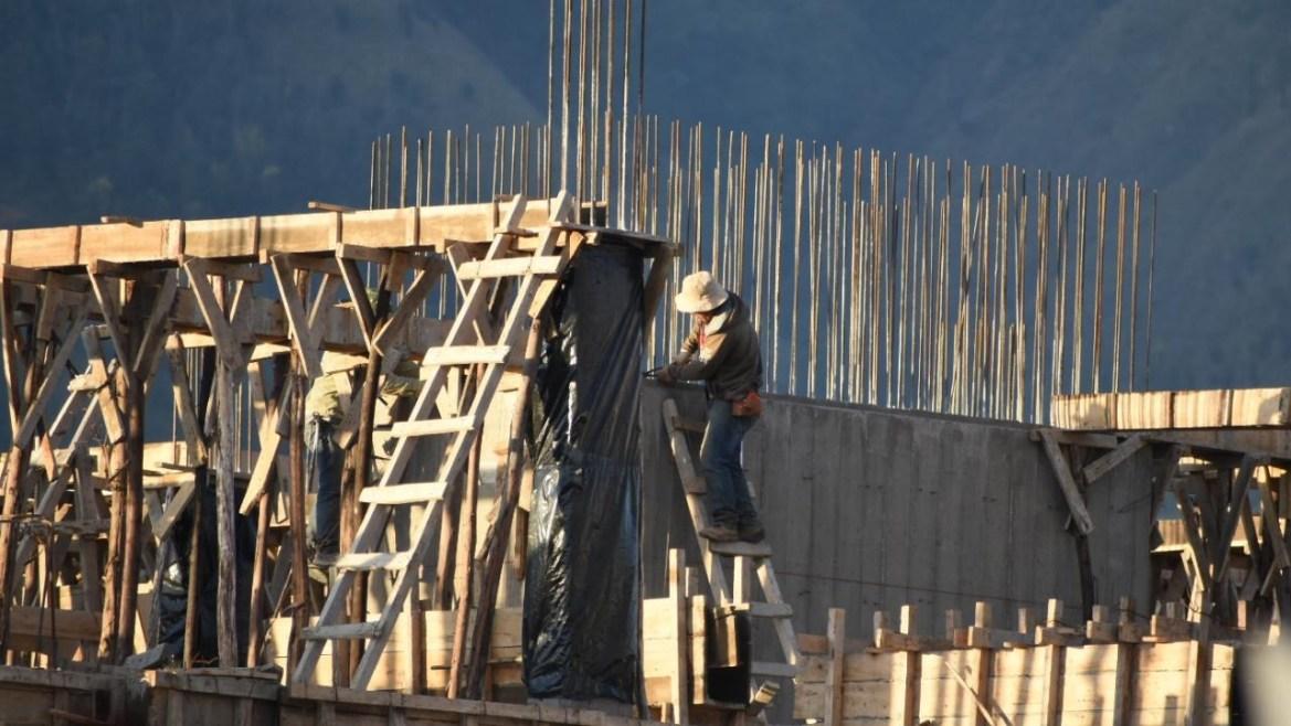 Algunas construcciones de edificios en la zona de Cala Cala.  DICO SOLÍS