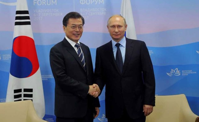 Moon Jae-In, Vladimir Putin