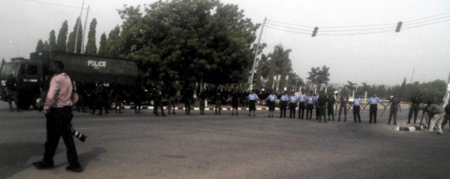 policeblockage