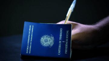 Screenshot_2020-07-29-Brasil-fecha-10-984-vagas-com-carteira-assinada-em-junho