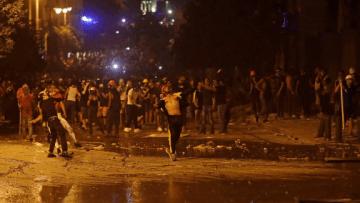 Screenshot_2020-08-10-Beirute-tem-segundo-dia-de-protestos-violentos-após-grande-explosão