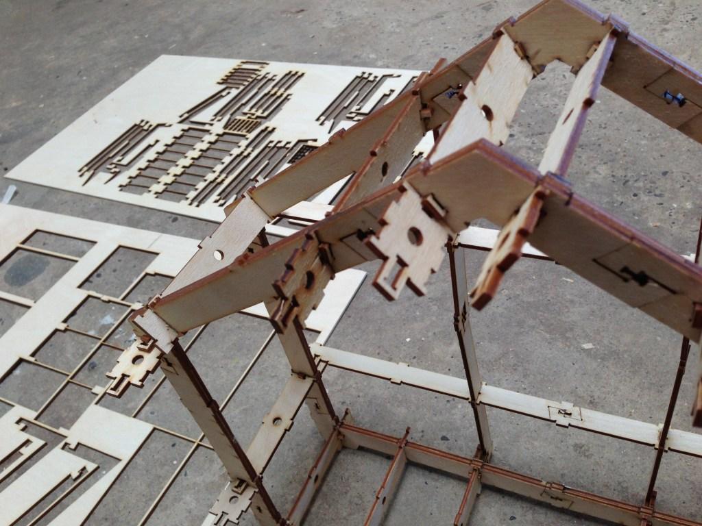 Een door stagiaire Joran Bos gemaakte maquette als hulp bij de bouw van het 1:1 huis.