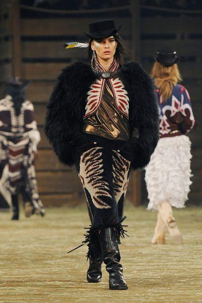 defile-chanel-farwest-cowboys-polémique