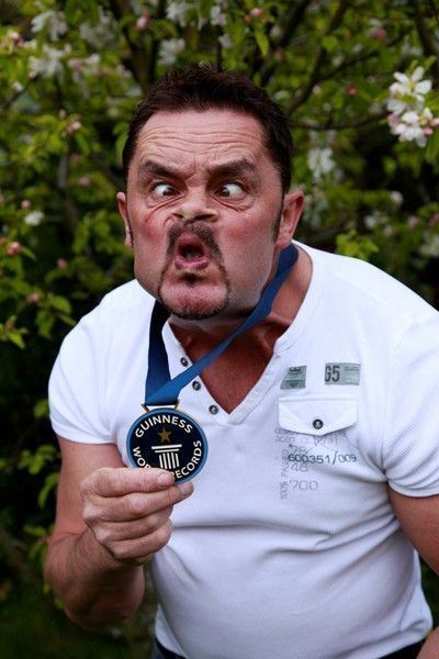 grimace-medaille
