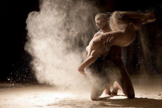 Danseurs farine portée