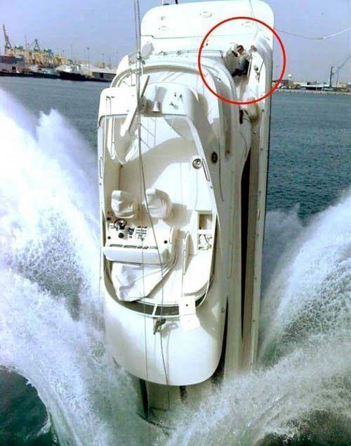 yacht-fail-sink-transport