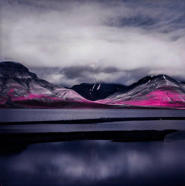 Arctic-Landscape-Transformed-into-Infrared-Paradise-02