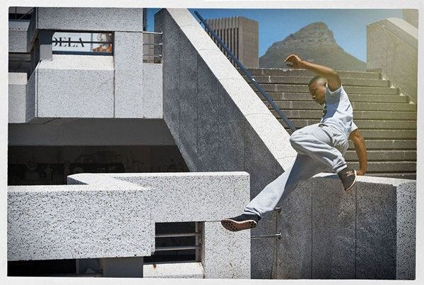photographs-parkour-athletes-mid-flight-09