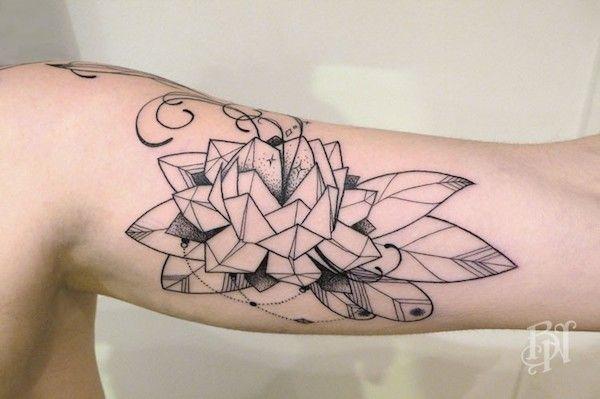bleu noir, ou l'art du tatouage par excellence | openminded