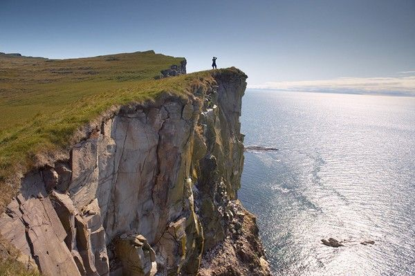 High cliffs rising to 400m at Latrabjarg, the largest bird colony in Europe, West Fjords region (Vestfirdir), Iceland
