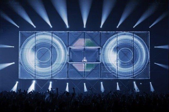 dancefloor-vs-smartphones-musique-electronique