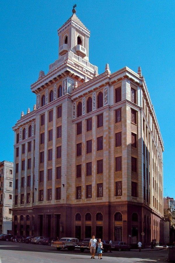 cuba-El-edificio-Bacardi
