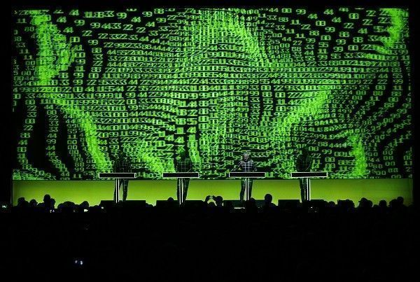German electronic band Kraftwerk performs with a 3D stage set during the 47th Montreux Jazz Festival in Montreux July 17, 2013.  REUTERS/Denis Balibouse (SWITZERLAND - Tags: ENTERTAINMENT) FOR EDITORIAL USE ONLY. NOT FOR SALE FOR MARKETING OR ADVERTISING CAMPAIGNS - RTX11PSQ