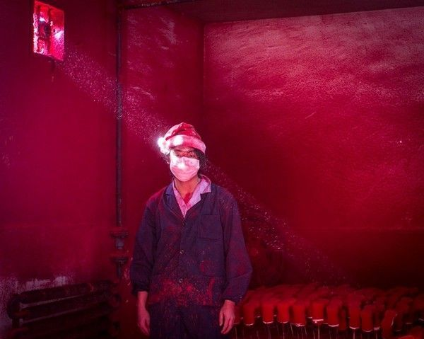 "Second Lauréat : Ronghui Chen ""Christmas Factory"""