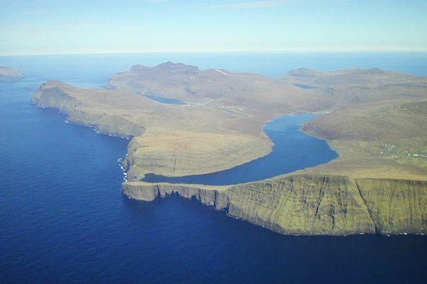 lac mystérieux Sørvágsvatn
