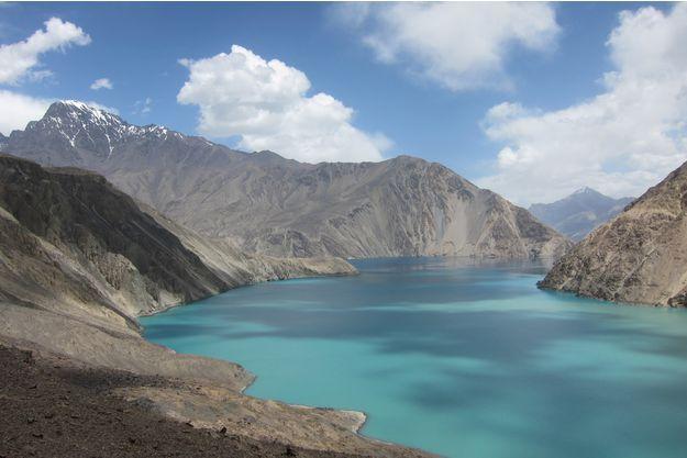 Le-lac-le-plus-dangereux-de-la-planete