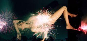 Brandy Eve Allen : Des filles nues et des feux d'artifices.
