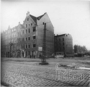 Skrzyżowanie ulicy Łąkowej i Ułańskiej. Około 1980 r.