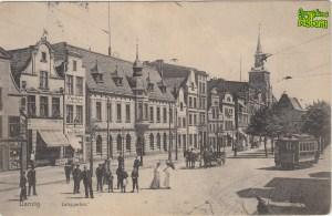 Front pocztówki z przedwojennym widokiem ulicy Długie Ogrody