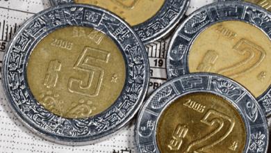 El peso inicia la jornada con ganancias frente al dólar.