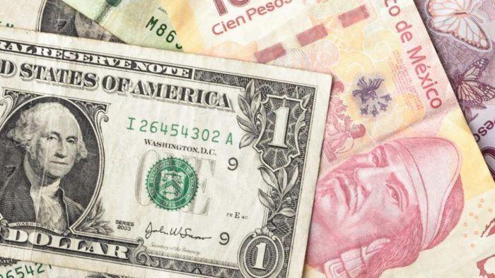 El peso perdió en la sesión de este lunes frente al dólar.