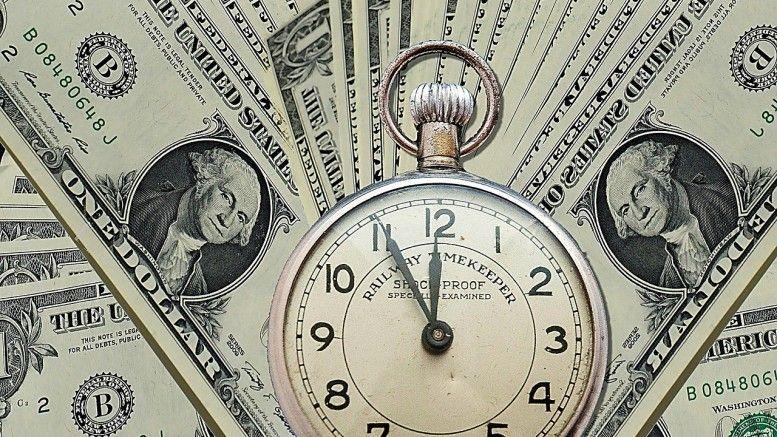 Durante la sesión, se espera que el tipo de cambio cotice entre 19.25 y 19.40 pesos por dólar.