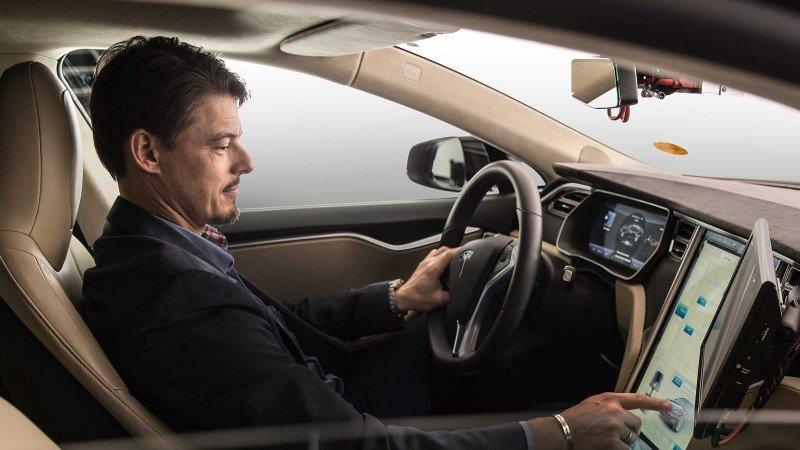 Robert Bosch GmbH y Daimler AG establecieron una empresa conjunta.