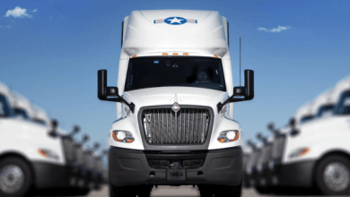 The US company USA Truck operates 1,990 tractor trucks in the United States, Mexico and Canada.