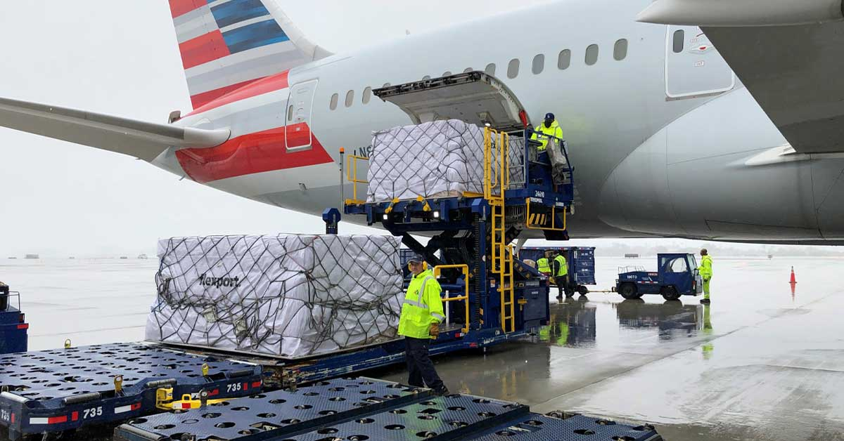 Global air cargo demand, measured in tons of cargo per kilometer (CTK), fell 20.3% in May (-21.5% for international operations) compared to the previous year.