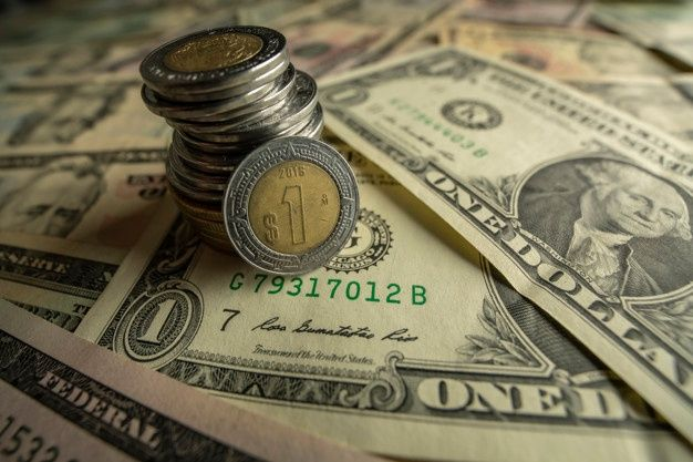 The Mexican peso began the week with an appreciation of 0.88% or 18.6 cents, trading around 21.09 pesos per dollar, after hitting a minimum of 21.0402 pesos, a level not seen since March 11.