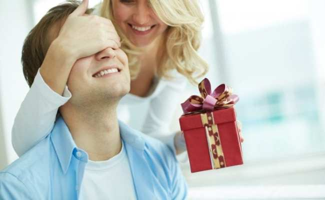 6 Ideas To Make Your Husband Happy On His Birthday
