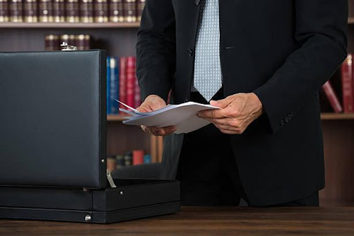 How Can a Divorce Lawyer in Brampton Serve You?