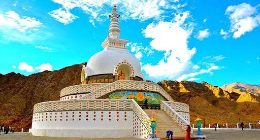 Leh Ladakh Tour: A Complete Travel Guide