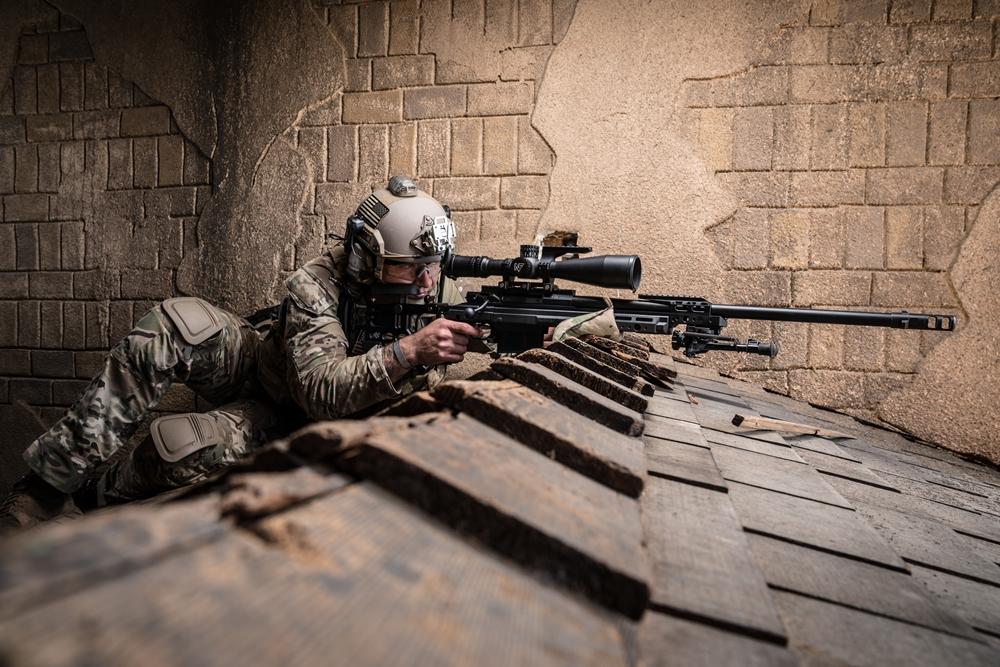 Pogodba za dobavo strelnih daljnogledov za ostrostrelce ameriške mornarice, zračnih sil in marincev v vrednosti 25,8 milijona dolarjev je Nightforcu prinesla pomembno poslovno zmago in jasno potrditev, da so na pravi poti (Foto: Nightforce)