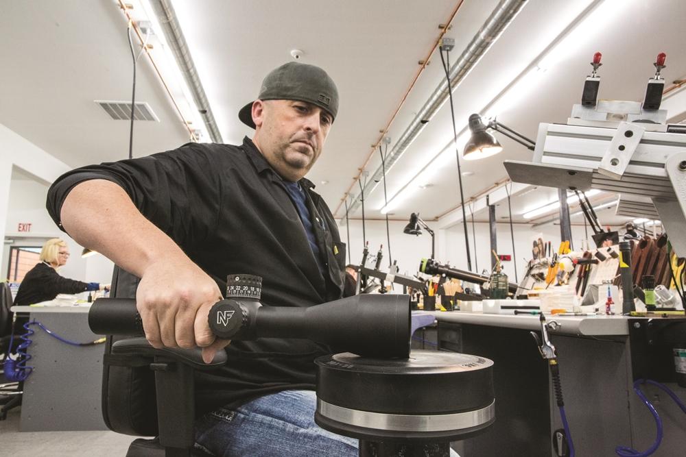 Če kakovost ne bodo popustila v njegovih rokah, tudi pri vas ne bo - proizvodnja v Idahu ne pozna milosti za noben izdelek (Foto: Nightforce)