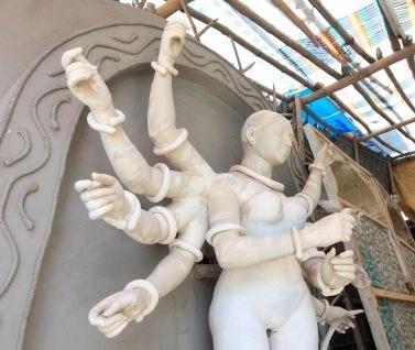diosa con 10 brazos 10 Cualidades Profesionales Indispensables para el Siglo XXI