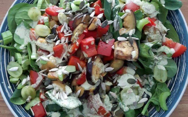 Salade groenten pompoenpitten