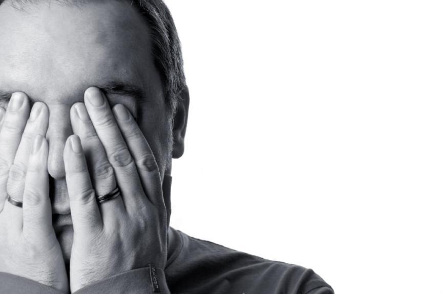bad-website-design-headache