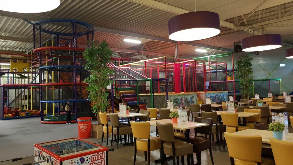 indoor speeltuin monkey town in ijsselstein - opwegmetmama.nl