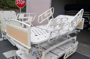 1 Hill Rom P1400 Century Hospital Bed 2 (3)