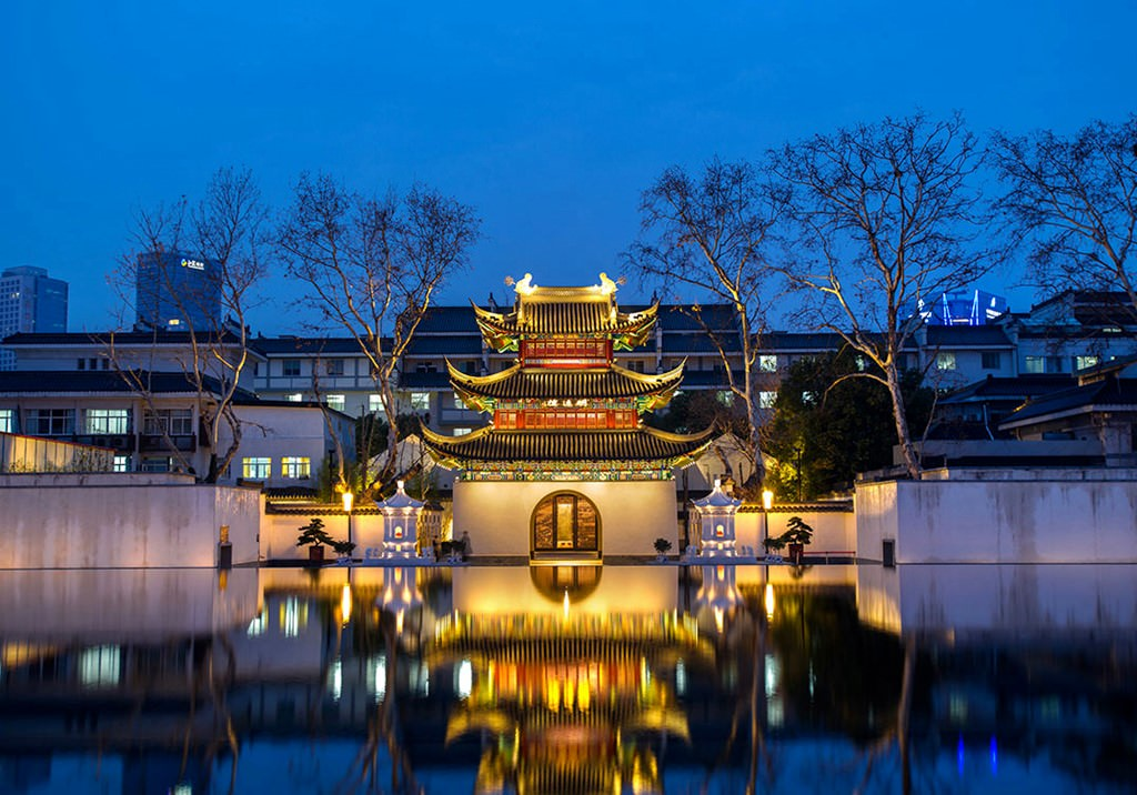 national traditions of china habits