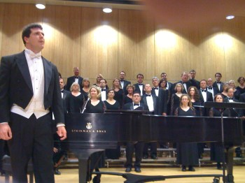 Ethan Sperry leads the Oregon Repertory Singers in highly recommended concerts this weekend.