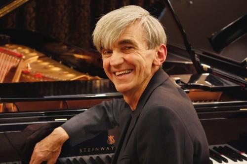 Pianist Paul Roberts