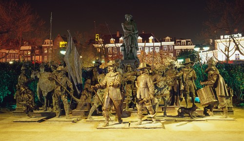 "The 3-D ""Night Watch"" in Rembrandt Square/2006"