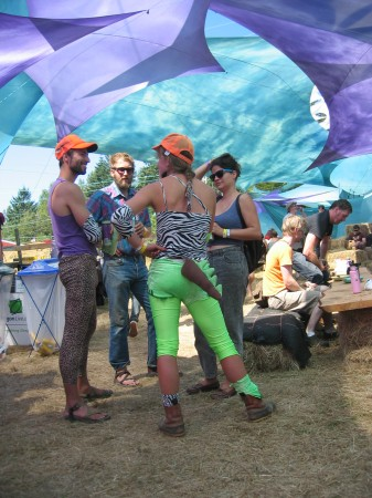 A group of cleanup volunteers avoided taking their job TOO seriously by wearing spandex animal costumes.