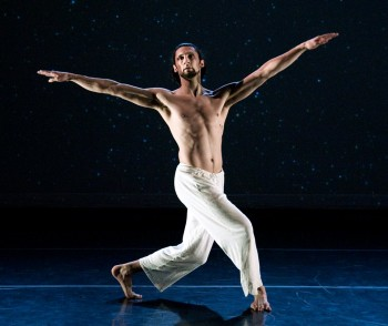"Hobbs in Mueller's ""Variations."" Photo: Randall L. Milstein"