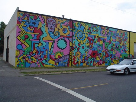 640px-NE_Portland_mural_2_--_MACHINERY