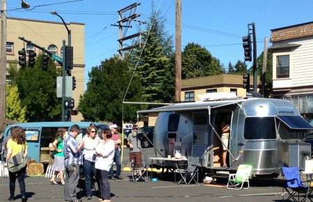 Encamped on Hawthorne: the caravan hits the neighborhood.