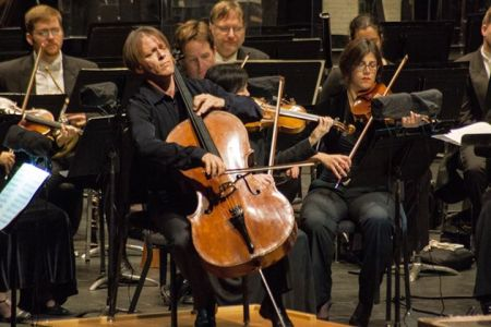 Alban Gerhardt played Haydn with the Oregon Symphony.