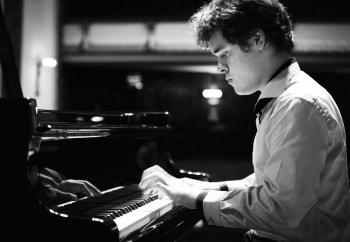 Benjamin Grosvenor performs at Portland Piano International. Photo: operaomnia.co.uk